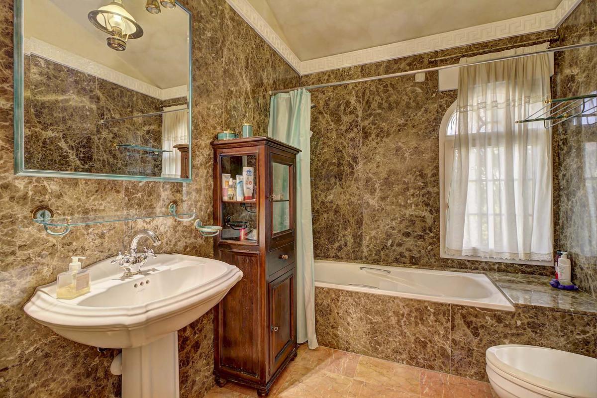 House in Bahía de Marbella R3846910 10