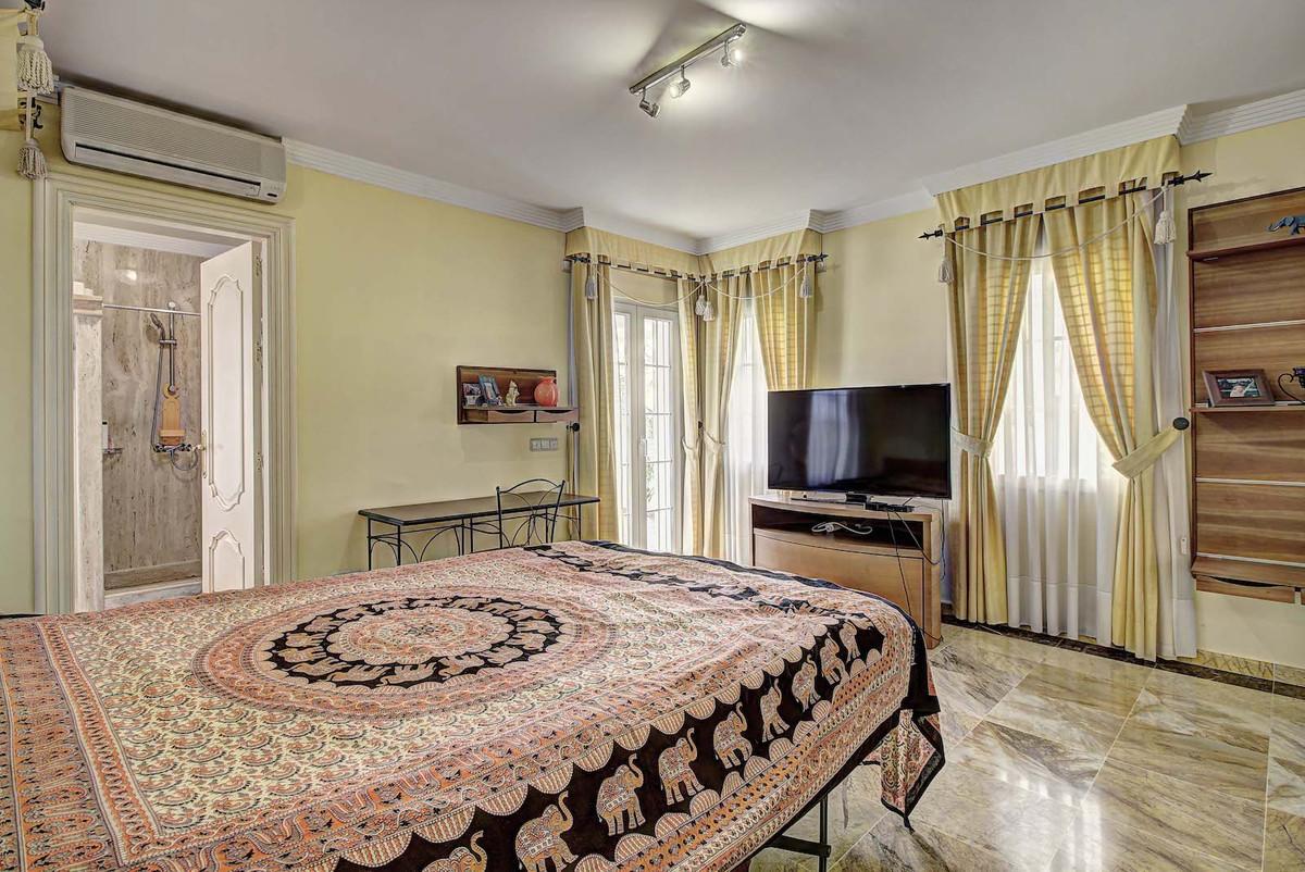 House in Bahía de Marbella R3846910 11