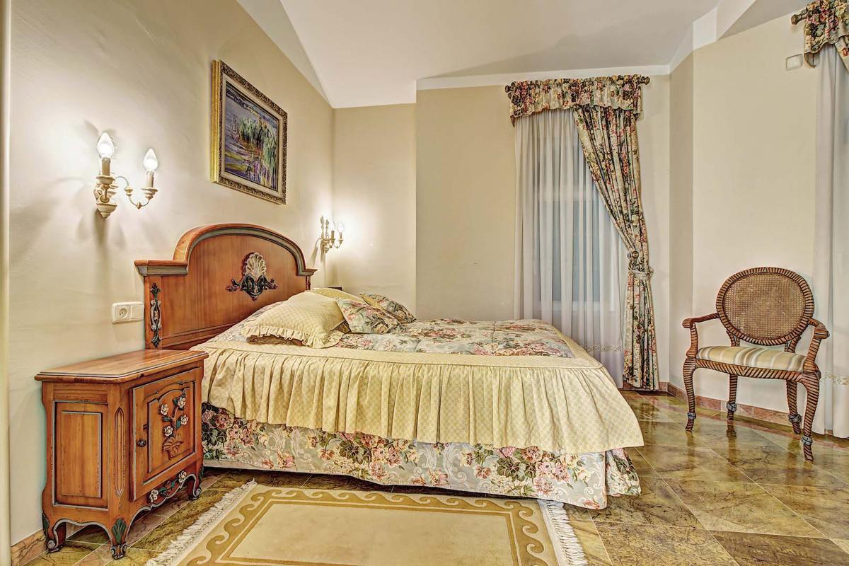 House in Bahía de Marbella R3846910 13
