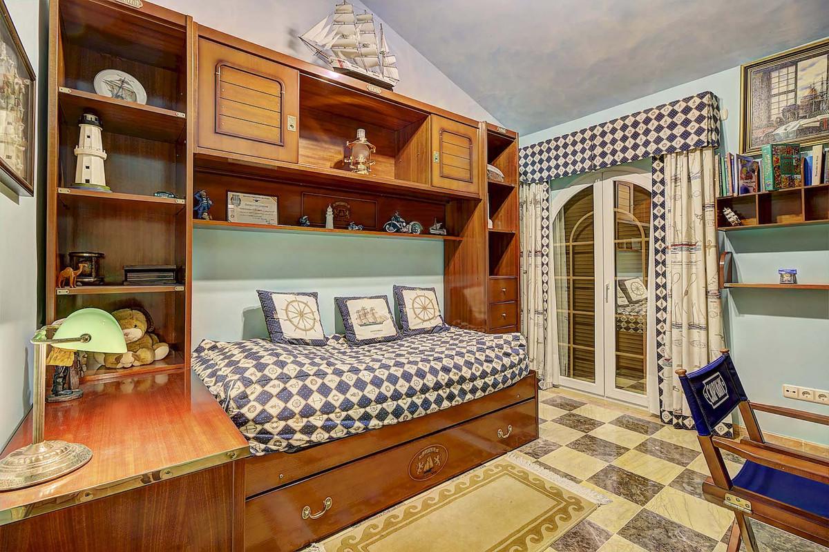 House in Bahía de Marbella R3846910 14