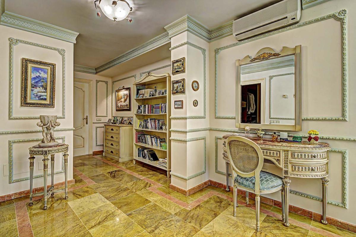 House in Bahía de Marbella R3846910 24