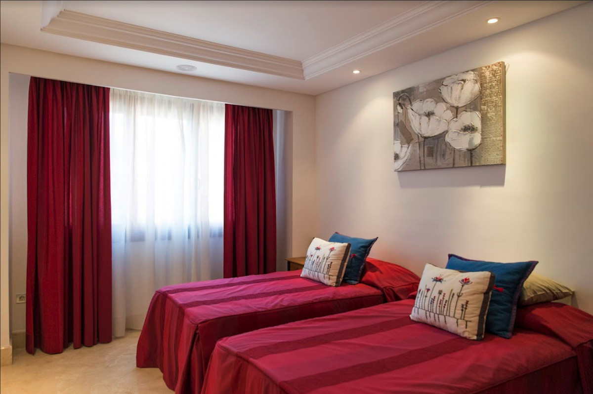 4 Bedroom Apartment for sale New Golden Mile