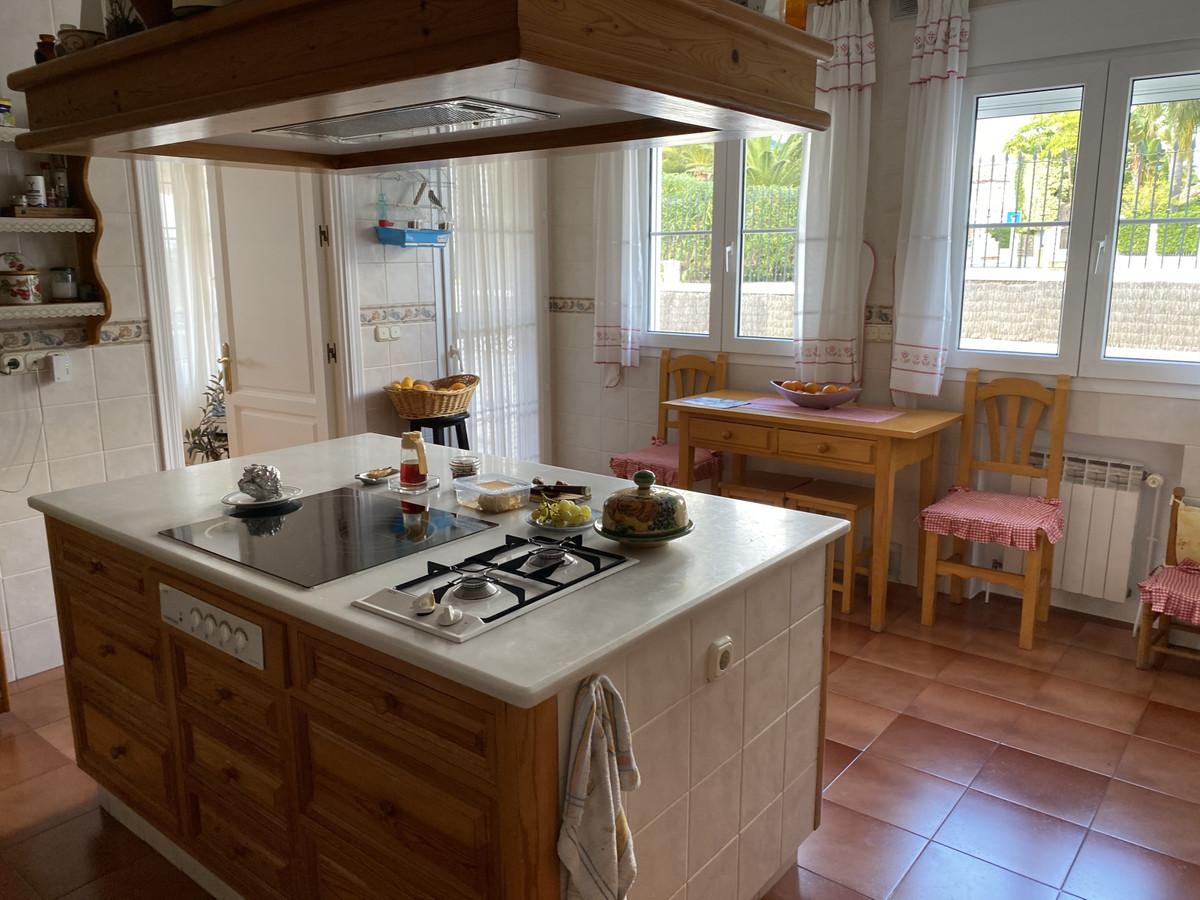 House in Bahía de Marbella R3552706 10