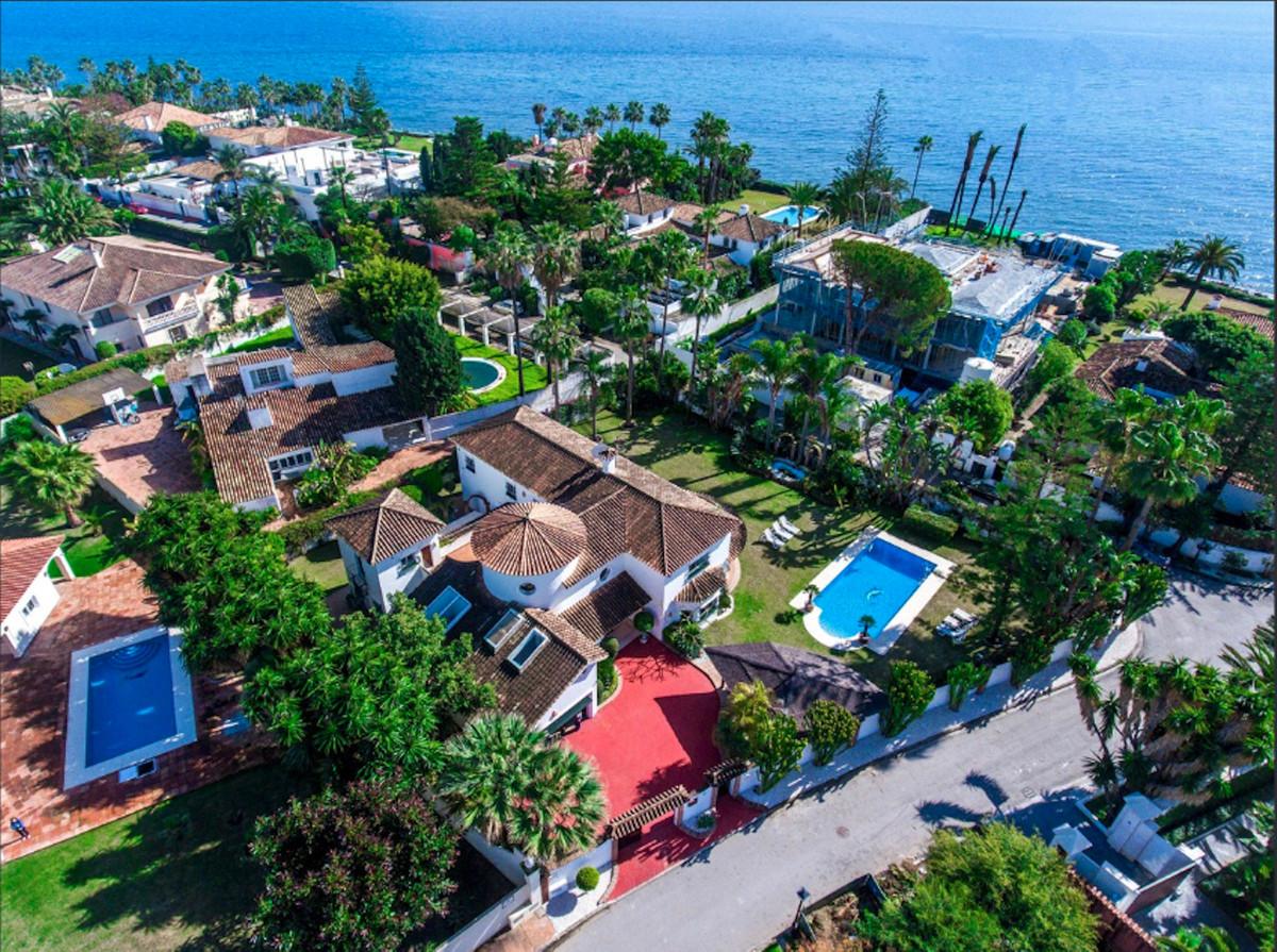 Villa Till salu i Guadalmina Baja R3949333
