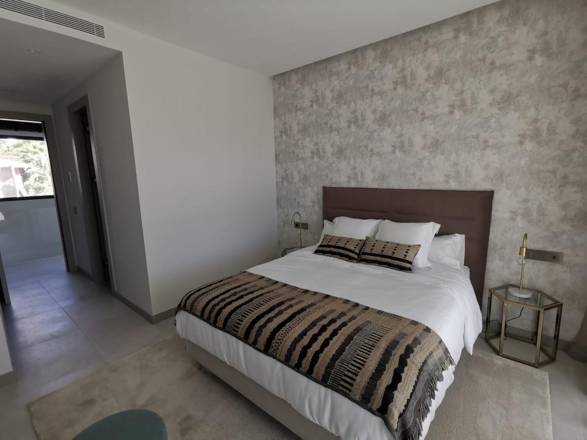 House in Nueva Andalucía R2890094 12