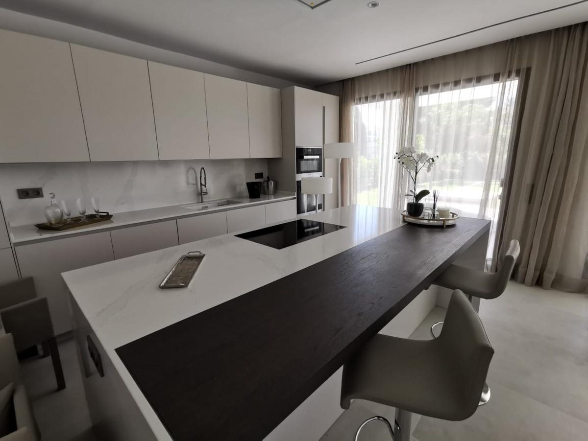 House in Nueva Andalucía R2890094 17