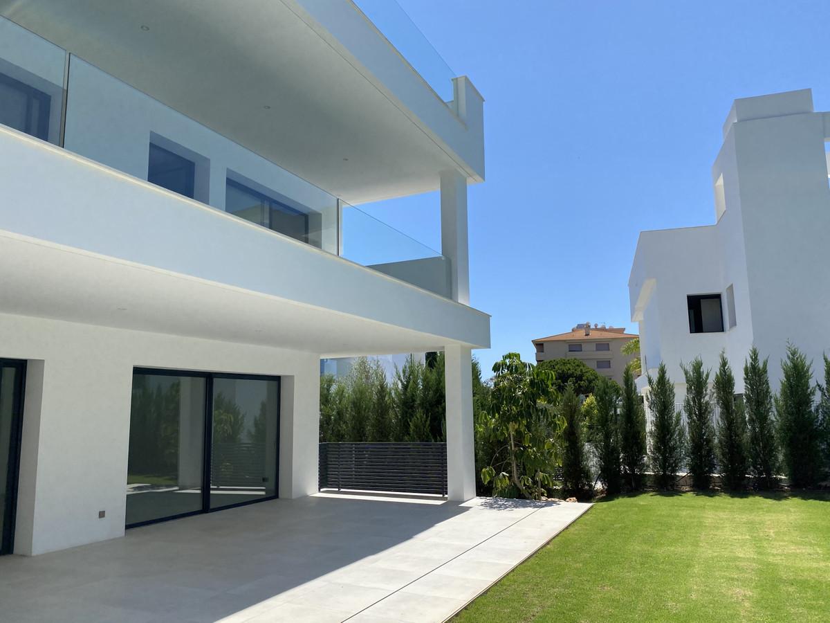 House in Nueva Andalucía R2890094 2