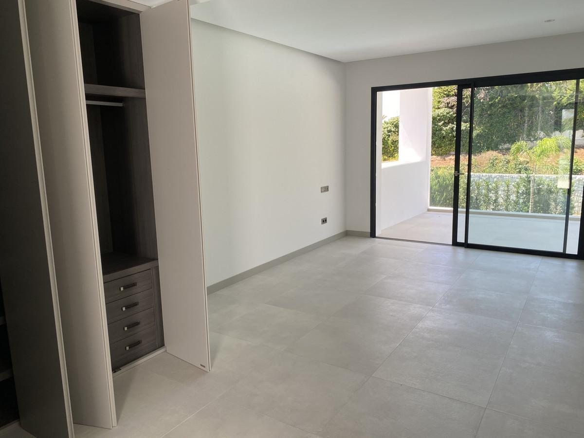 House in Nueva Andalucía R2890094 27