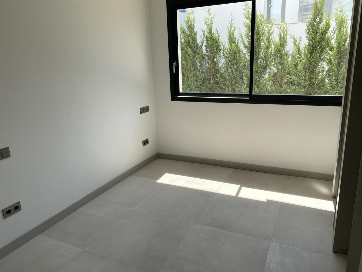 House in Nueva Andalucía R2890094 37