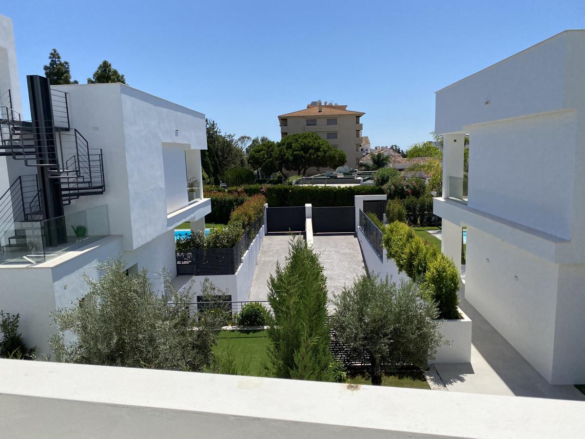 House in Nueva Andalucía R2890094 39