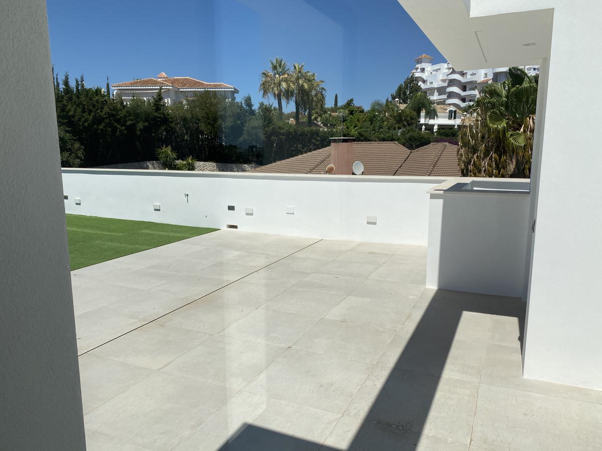 House in Nueva Andalucía R2890094 48