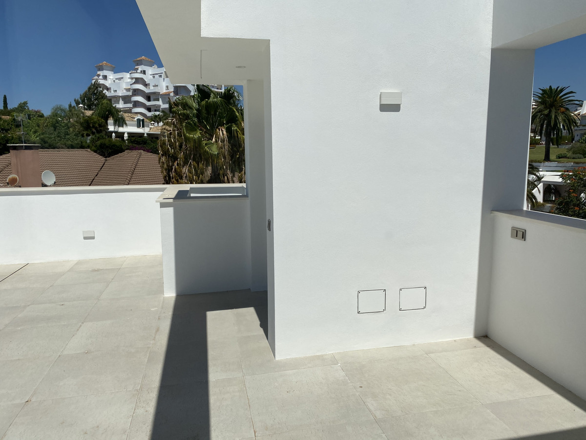 House in Nueva Andalucía R2890094 50