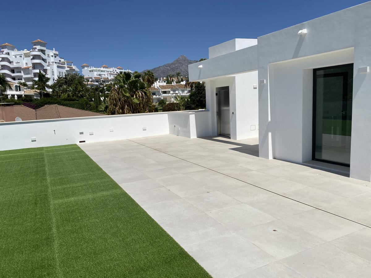 House in Nueva Andalucía R2890094 51