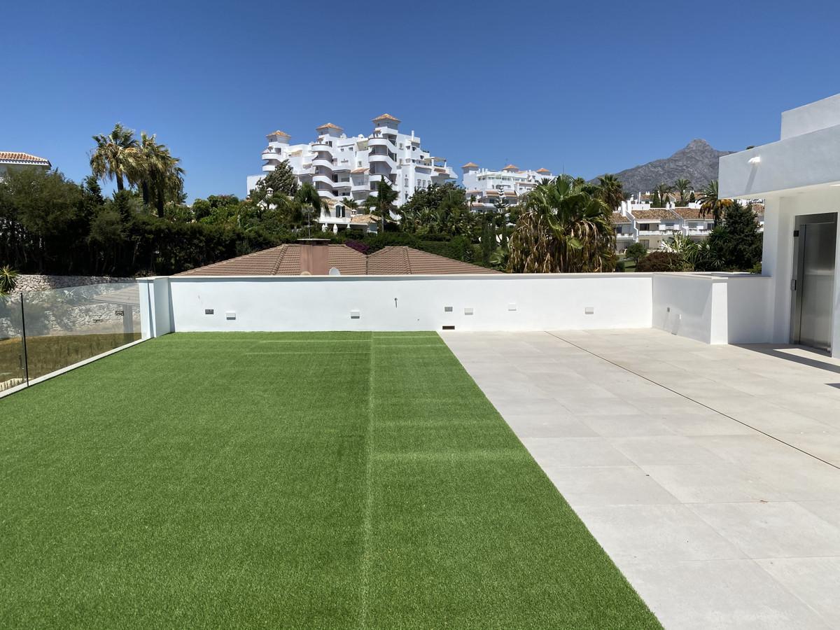 House in Nueva Andalucía R2890094 55