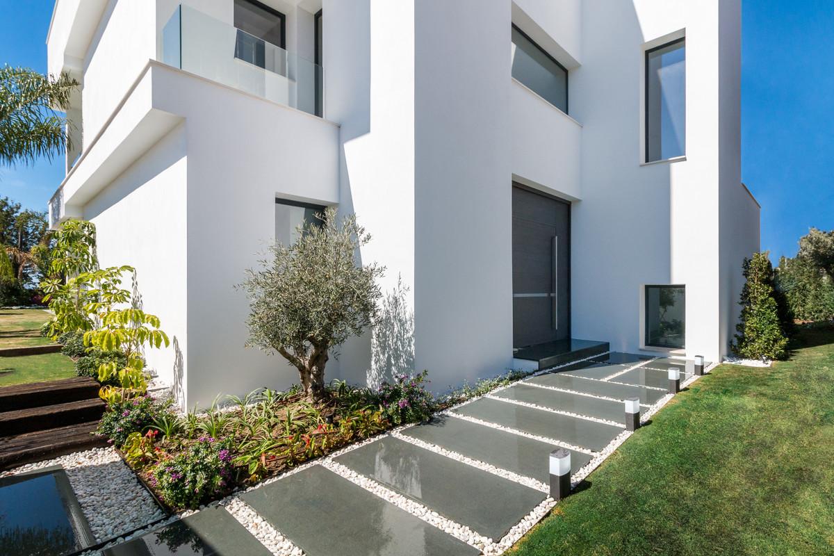 House in Nueva Andalucía R2890094 8