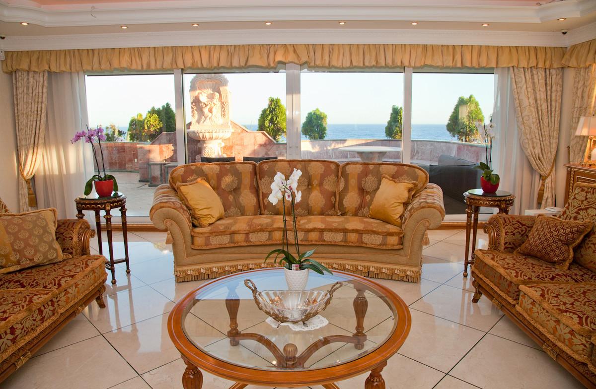 6 bedroom apartment for sale puerto banus