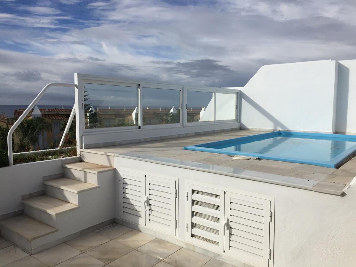 A bright Duplex Penthouse in Bahia de Marbella, on a prestigious and properly built complex, gated w,Spain