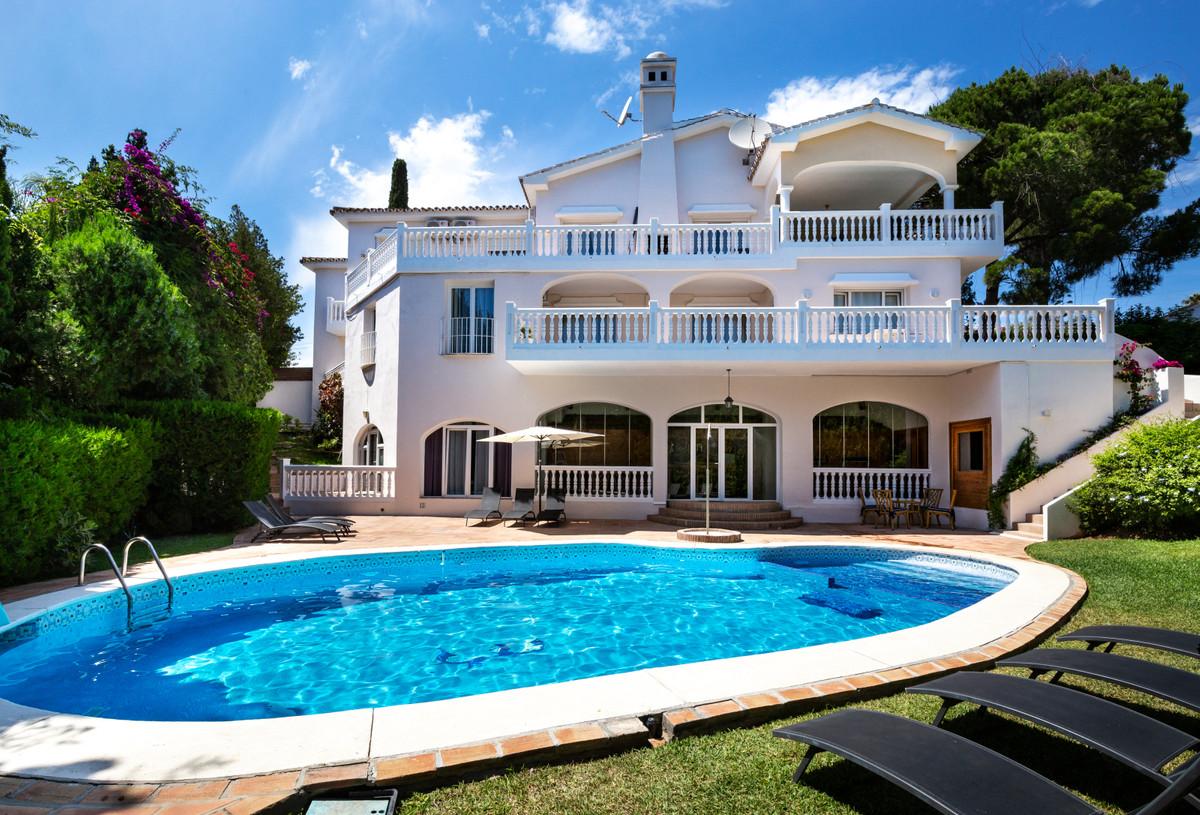 8 bedroom villa for sale el rosario