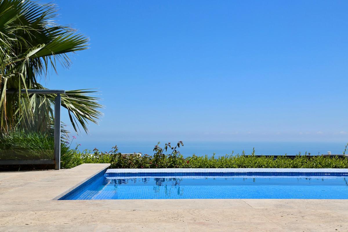 Villa For sale In Benalmadena - Space Marbella