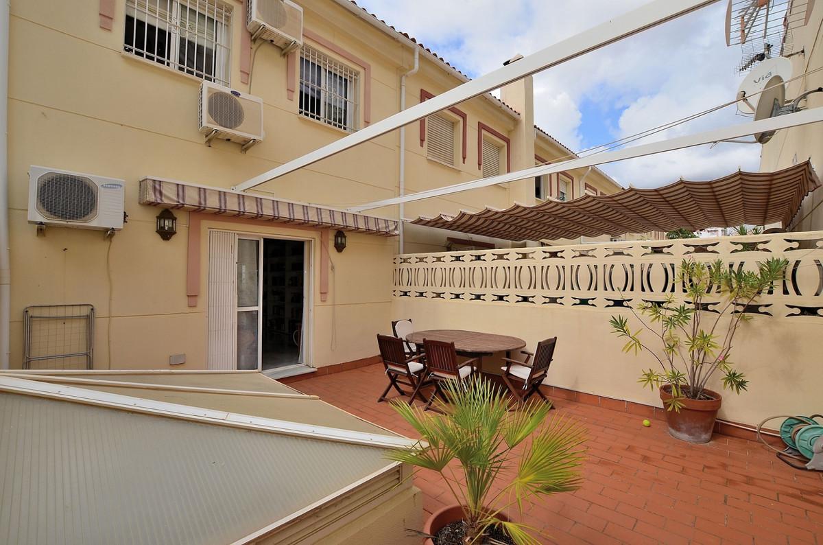 Maison Jumelée  Mitoyenne en vente   à Arroyo de la Miel