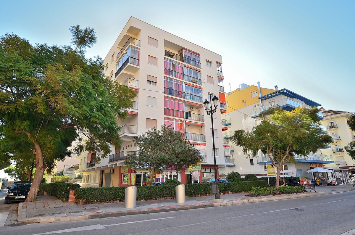 Middle Floor Apartment for sale in Fuengirola R3768583