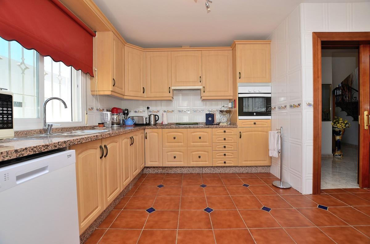 House in Arroyo de la Miel R3917827 8