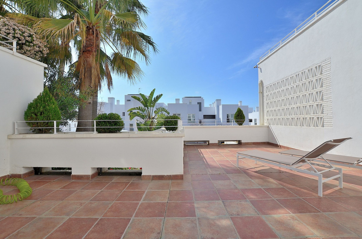 SPECTACULAR MODERN PROPERTY located in Benalmadena Costa, prime location just 200 mts from the beach,Spain