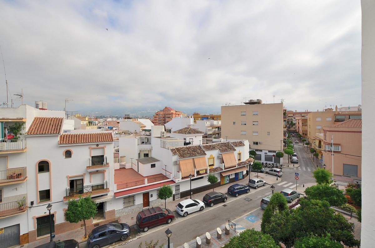 3 bedroom apartment located in Fuengirola. Good location at 300 mts from Fuengirola bullring.  Terra,Spain