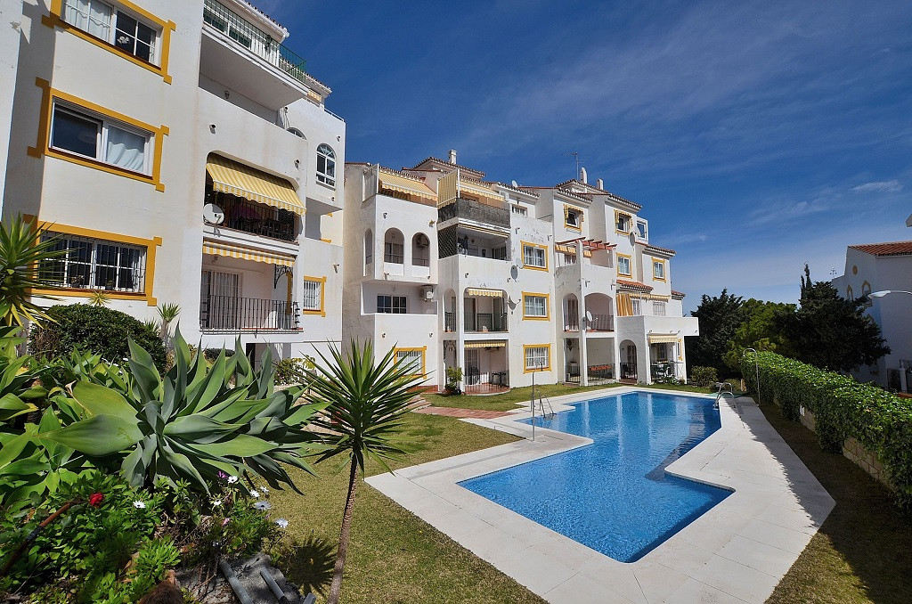 NICE APARTMENT WITH GREAT RENTAL POTENTIAL located in Montemar (Torremolinos), at only 600 mts from ,Spain