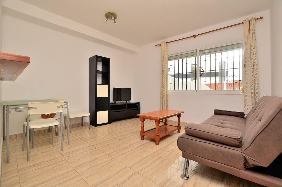 Ground floor apartment located in Las Lagunas de Mijas. Great location, in a peaceful area and close,Spain