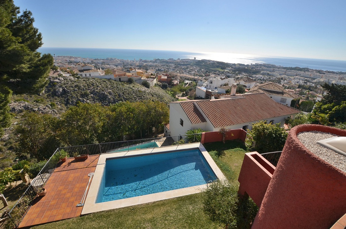JUST REDUCED FROM 575.000 € to 549.950 €!  WONDERFUL VILLA WITH AMAZING SEA VIEWS & HUGE PLOT OF,Spain