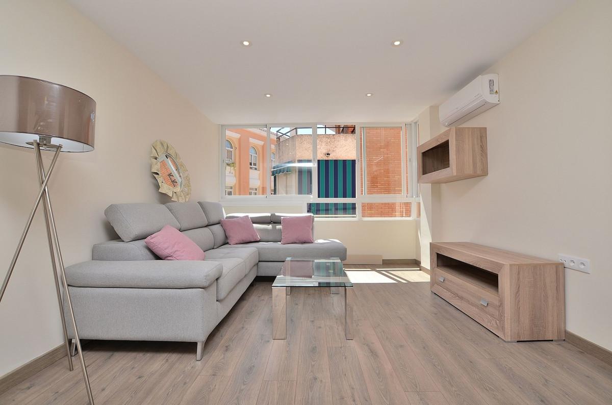 LOCATION, LOCATION, LOCATION!  FULLY RENOVATED apartment located in the heart of Arroyo de la Miel (,Spain