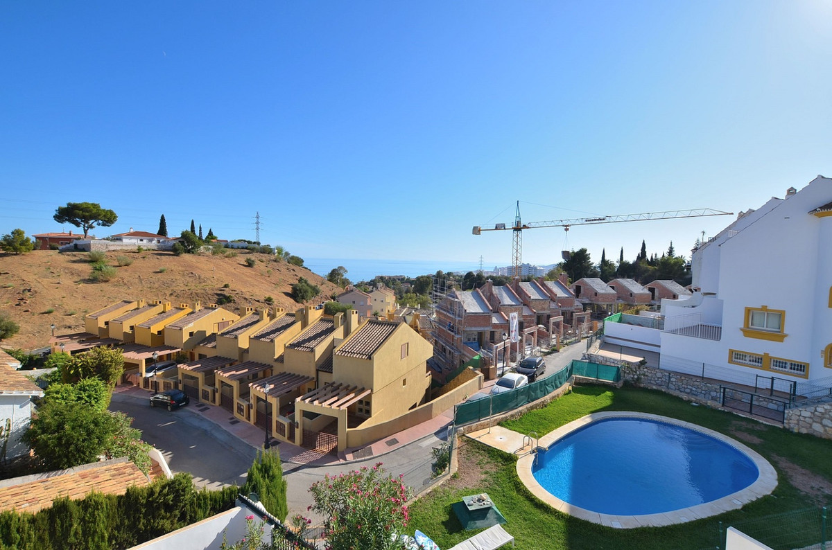 FANTASTIC CORNER SEMI-DETACHED WITH AMAZING VIEWS located in the upper area of Torreblanca (Fuengiro,Spain