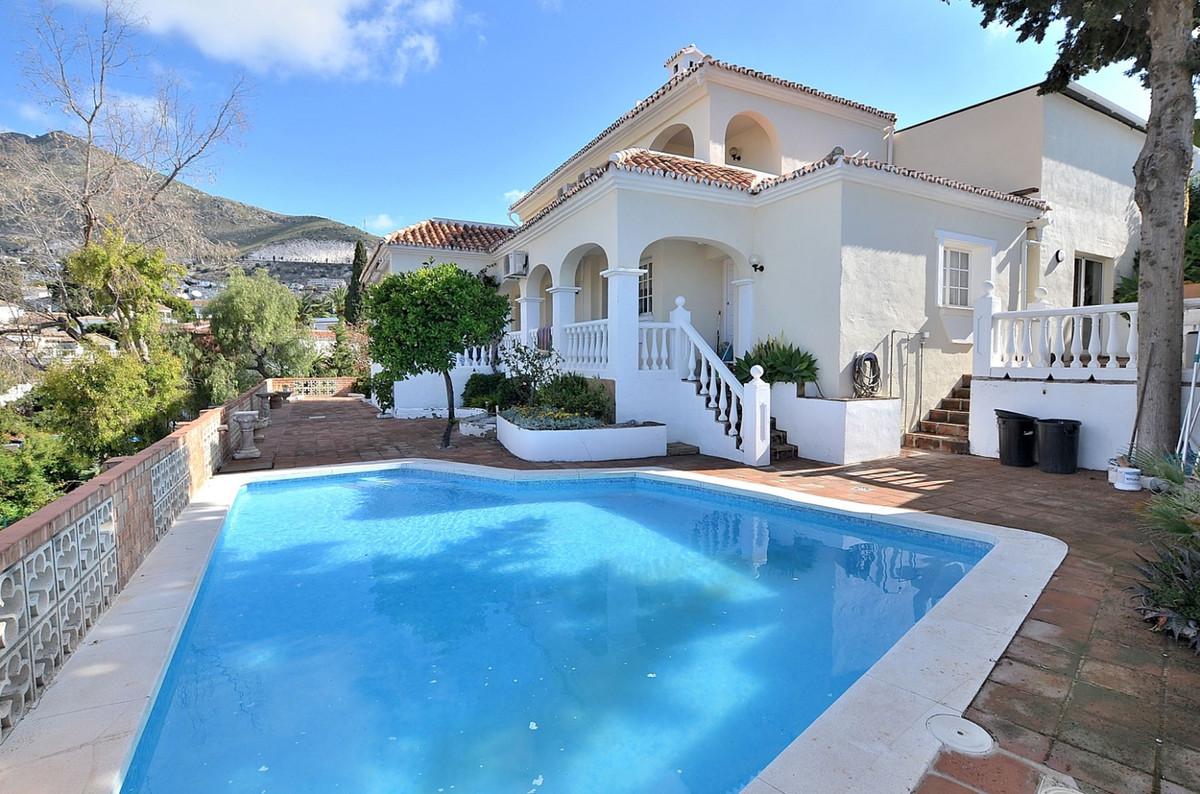 FANTASTIC VILLA WITH WONDERFUL VIEWS located in Arroyo de la Miel (Benalmadena), in nice urbanizatio,Spain