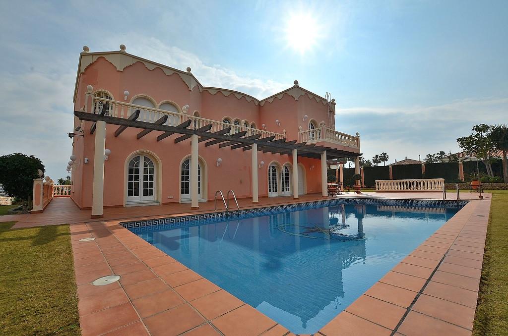 WONDERFUL LUXURY VILLA located in Benalmadena Costa. Very sunny and bright property, southwest facin,Spain