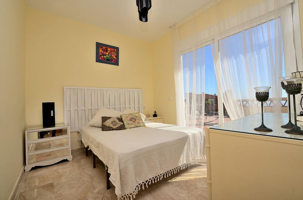 Apartment in Calahonda R3369634 10