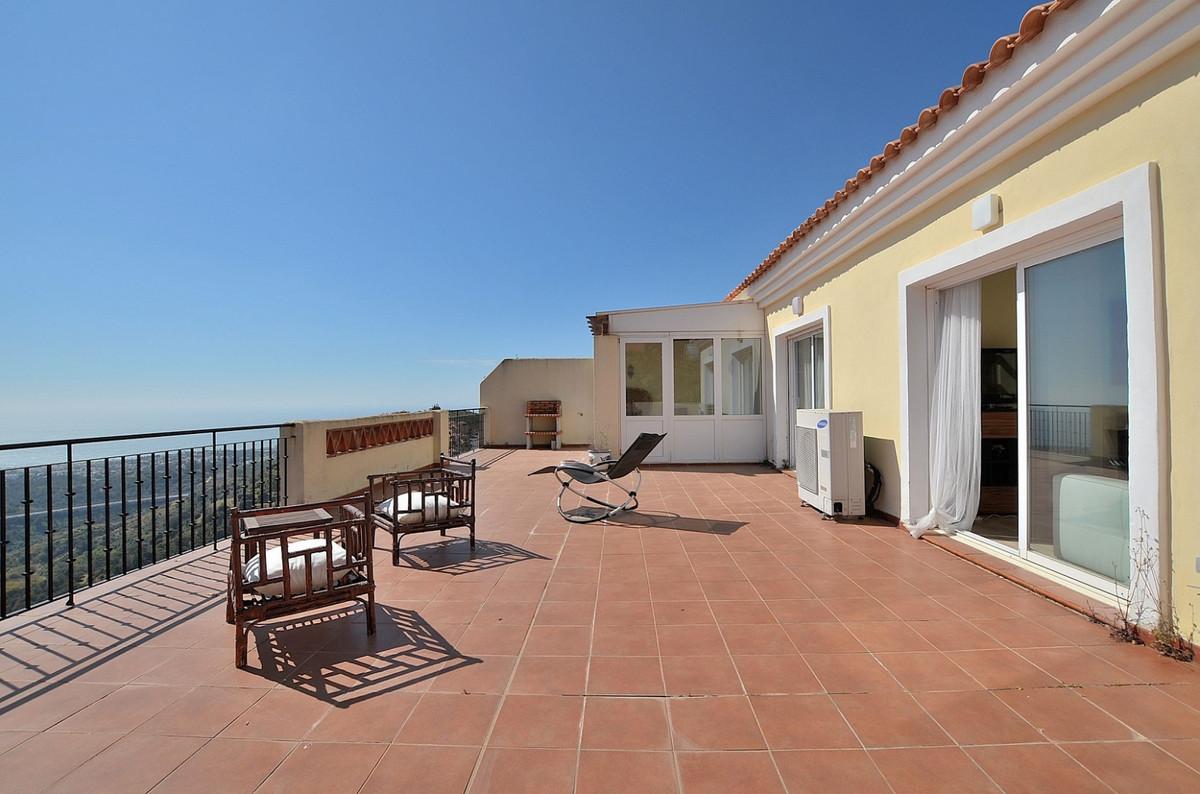 Apartment in Calahonda R3369634 5