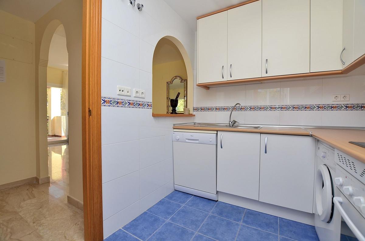 Apartment in Calahonda R3369634 9