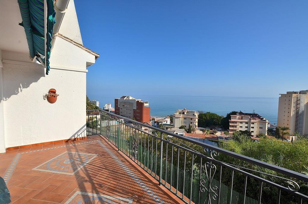 NICE VILLA WITH SEA VIEWS located in the lower area of Torreblanca (Fuengirola). 2 floors villa + st,Spain