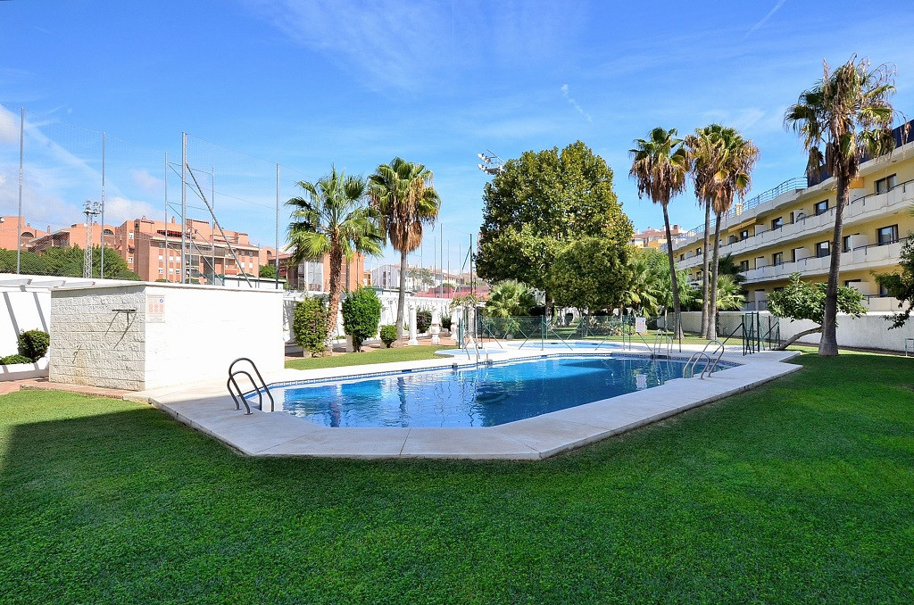 APARTMENT WITH NICE SEA AND MOUNTAIN VIEWS located in Arroyo de la Miel centre (Benalmadena), the be,Spain
