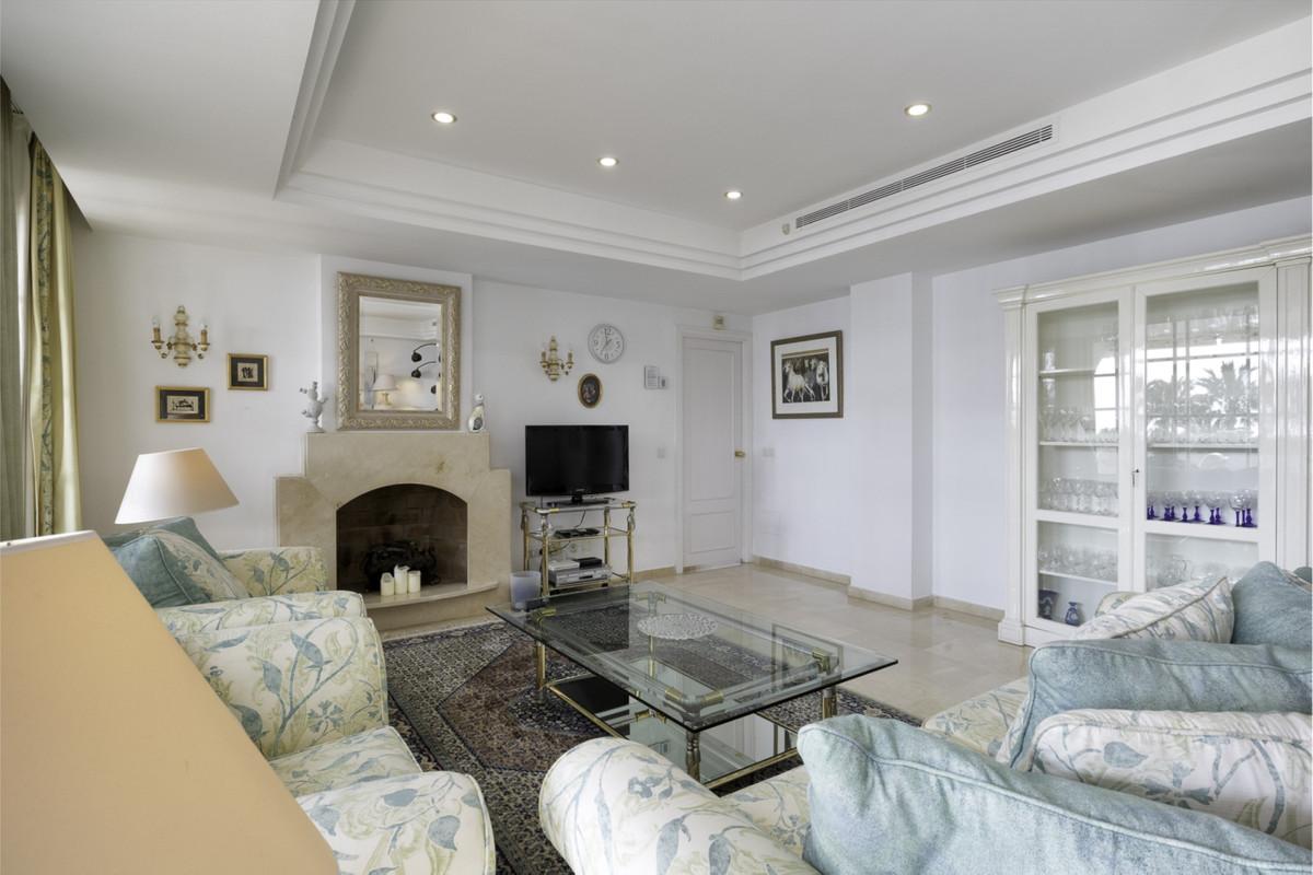 Apartment Penthouse New Golden Mile Málaga Costa del Sol R3326377 10