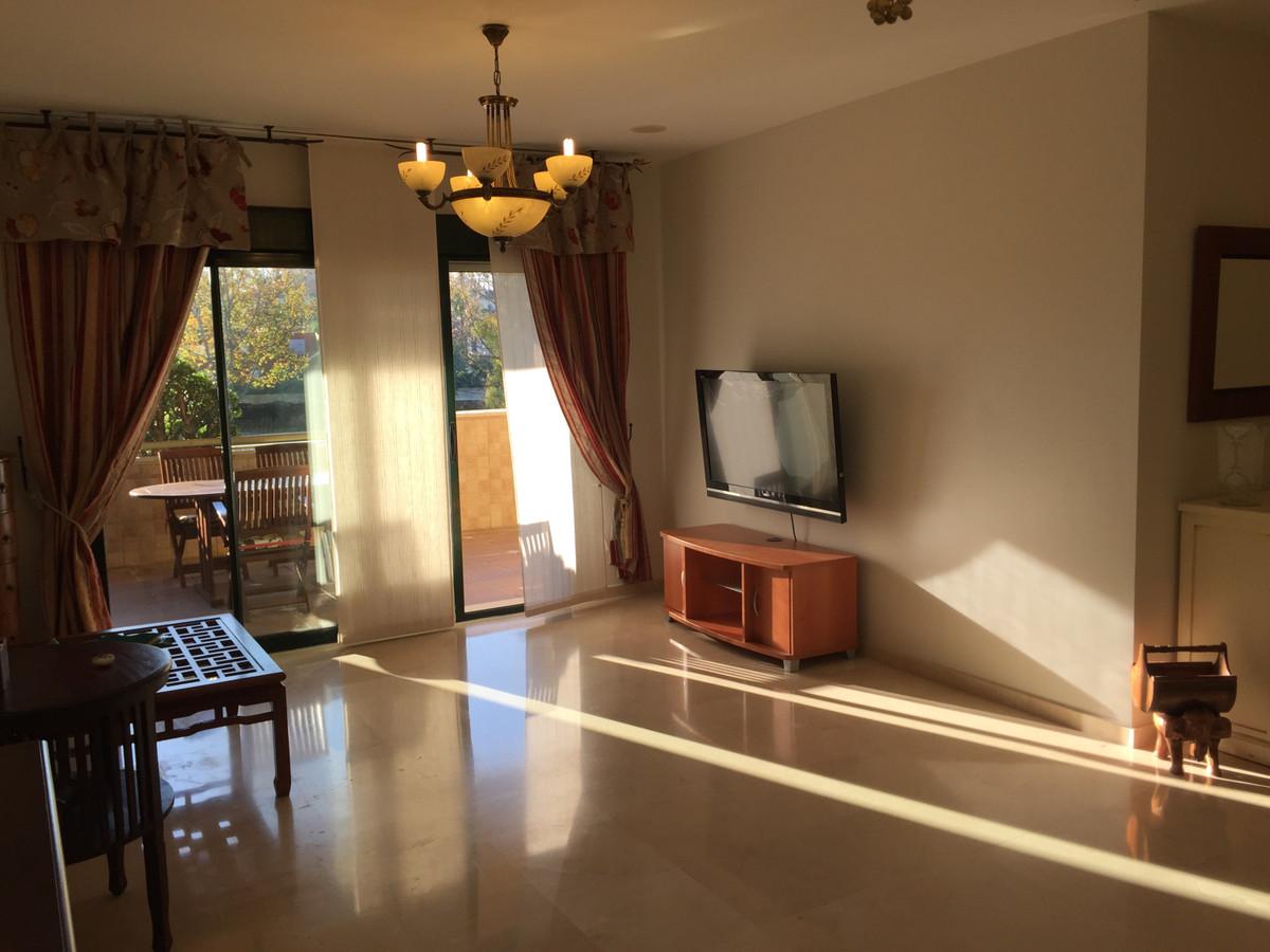 Middle Floor Apartment, Guadalmina Alta, Costa del Sol. 2 Bedrooms, 2 Bathrooms, Built 141 m², Terra,Spain