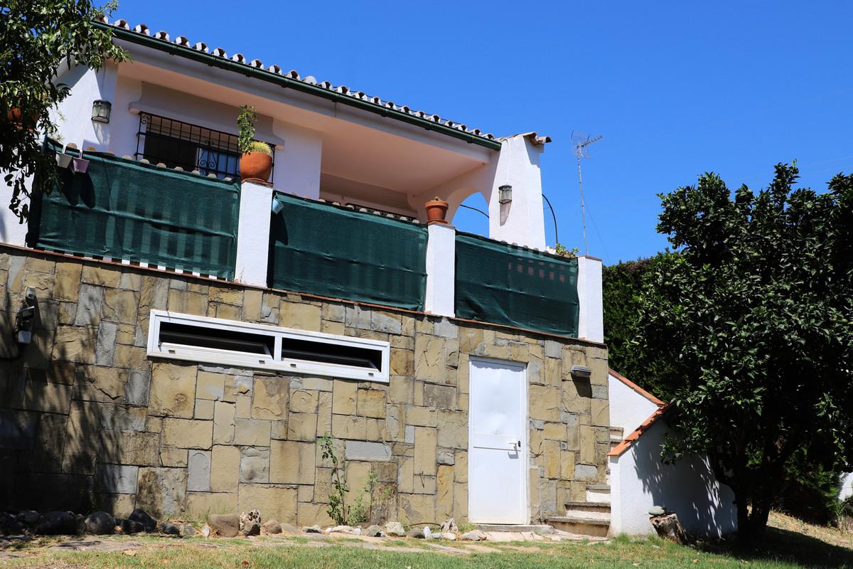 Fritliggende Villa i Nueva Andalucía R3523360