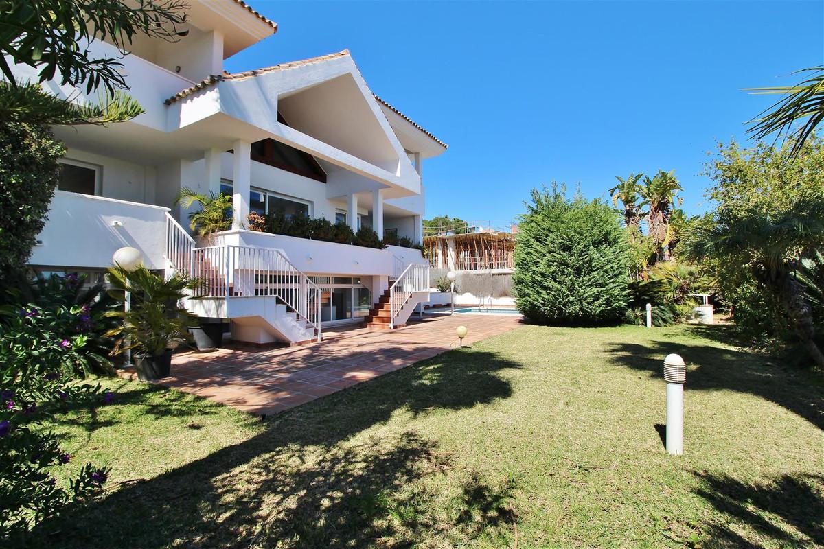 Fritliggende Villa i La Quinta R3615350