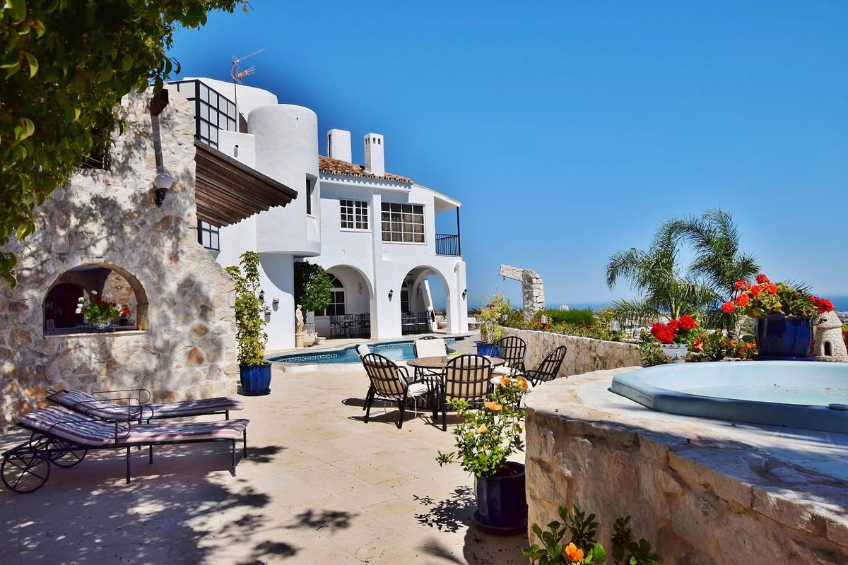 Villa - Chalet en La Quinta R2107028