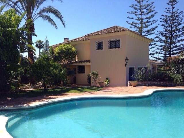 Villa 9 Dormitorios en Venta Marbella