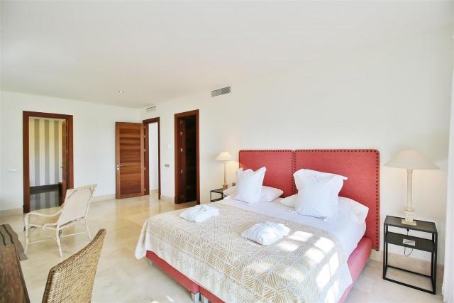 Villa con 4 Dormitorios en Venta Casares