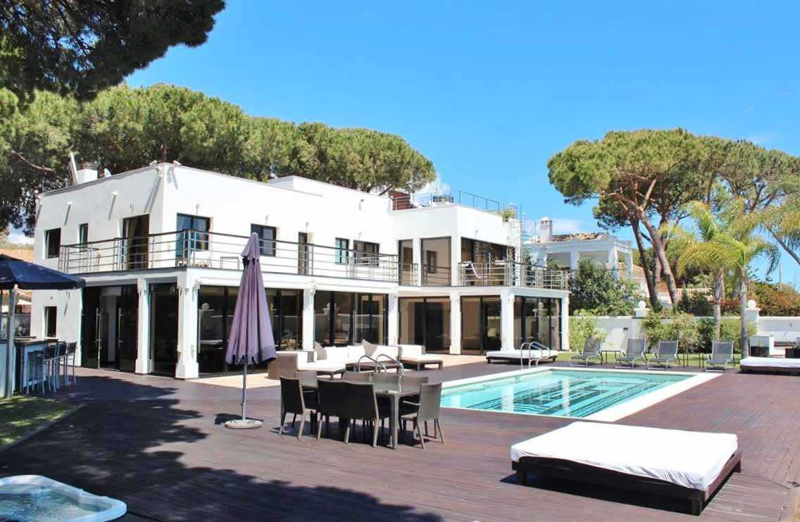 Detached Villa for sale in Marbella R2263529