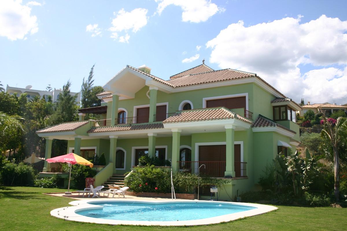 Hus in El Paraiso R2107373 1