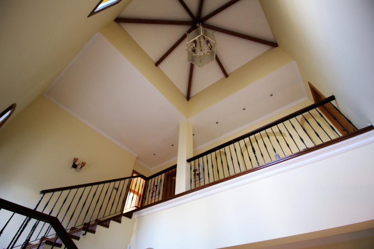 Hus in El Paraiso R2107373 6